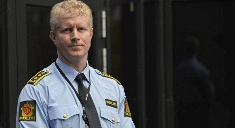 Politiinspektør Morten Ørn i Bergen sør politidistrikt sier mange elever i bydelen har et ureflektert forhold til narkotikabruk.