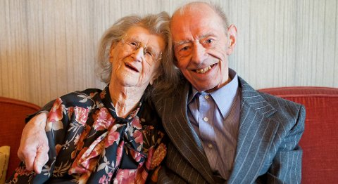 Lydia (96) og Johan (98) har vært gift i 77 år. De giftet seg da de var 19 og 21 år gamle.