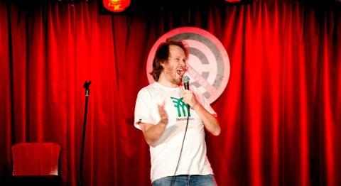 Standup-sjef Christoffer Schjelderup hadde med seg både bergenske og engelske komiker-kolleger på Joke Thieves-konseptet.