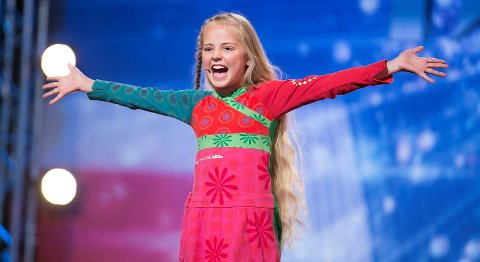 Mathea-Mari da hun deltok i «Norske Talenter» i 2012, der hun var en av ti semifinalister. Hun har også spilt Annie.