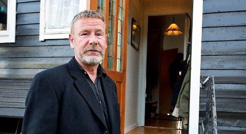 Bokaktuelle Tomas Espedal har fått Bergen kommunes kunstnerpris.