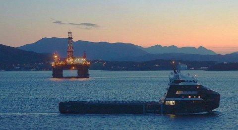 Mandag ettermiddag kom «Scarabeo 5» inn til Bremsnesfjorden ved Kristiansund.
