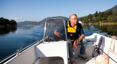 Fred og ro. Det fineste Gisle Markhus vet, er når han er helt alene på en blikkstille fjord. Da tenker han på jobben..