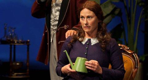 Kjersti Elvik overtar Herborg Kråkeviks rolle som Petra i «Hellemyrsfolket» neste høst. Hun byttet på å spille Petra i musikalen i år, siden Herborg Kråkevik også har spilt i «Spelemann på taket».