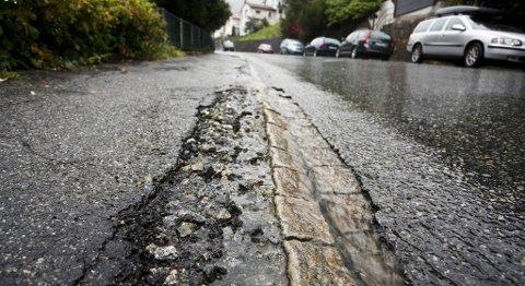 Hordaland har landets dårligste veier. Likevel er planen å bruke enda mindre penger på asfaltfornying.