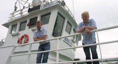 Kristian og Svein Magne Korneliussen satsar på større båt.
