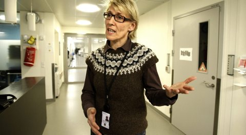 - DRIFTEN ER FORSVARLIG: Ahus-direktør Hulda Gunnlaugsdottir sier sikkerheten ved Ahus er i fokus. Likevel kan hun ikke gi noe løfte om at korridorpasientene forsvinner med det første. FOTO: TOM GUSTAVSEN