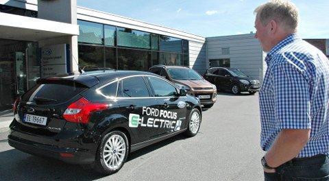 Elegant: Dette er Ford Focus Electric, den er riktig artig å kjøre, sier Raymond Hellum.