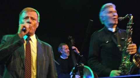 Fire sett:  Pippo, Yngvar Ravneng og Arne Pettersen har 52 standardlåter på repertoaret (Foto: Annelise Fjeld Knutsen)