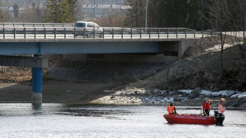robin thicke dating 20 year old boy