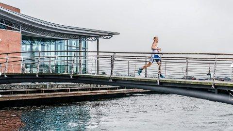 LANGS SJØFRONTEN: Kon-Tri skal bli et idyllisk arrangement hvor svømming og løping foregår i Indre havn og langs sjøfronten.Foto: Jørgen Melau