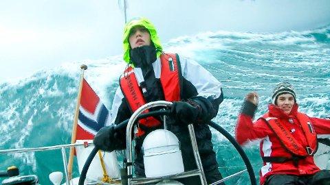 Samuel Massie har vært plaget av sjøsyke i hele oppveksten. Likevel la han ut på den lange turen mot Sydpolen. Nå har han skrevet bok om hvordan alt endret seg for den giddaløse kjuagutten fra Bergen. - Dette er min historie om hvordan det er mulig å finne tilbake til troen på seg selv, sier han.