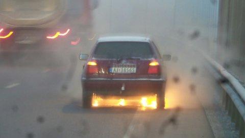 FULL FYR: Slik dokumenterte bileieren selv brannen på E18.