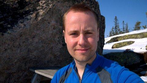Anders Beyer Brattli fra Hønefoss er en av seks paraglider-utøvere på det norske landslaget.
