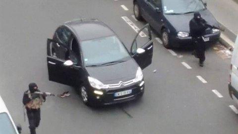Attentatmennene i paris skal være identifisert av politiet.