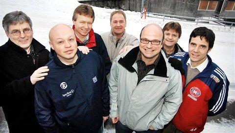 CFK-leder Leif Svoren (fra venstre), Dahle-leder Jan Aage Neerland, Nordlandet-leder Harry Hjellnes, Frei-leder Arnt Magne Olsen og KFK-leder Erik Rolfsen har tro på samarbeid med Kjetil Thorsen (foran til venstre), Vidar Solli og KBK.