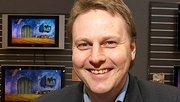 Kommunikasjonsdirektør i DNB NOR hadde tidligare jobben som markeds- og kommunikasjonsdirektør i elektronikkjeden Expert. Han har vore mykje i vinden etter at han overtok jobben i storbanken 1. januar 2008.