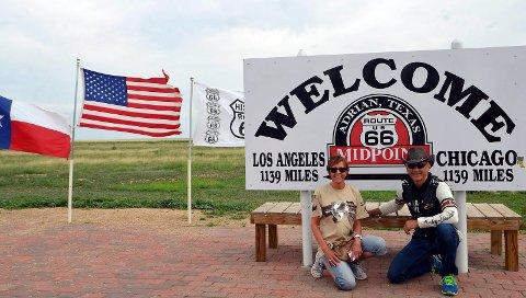 Adrian, New Mexico, markerer halvveis unnagjort Route66.