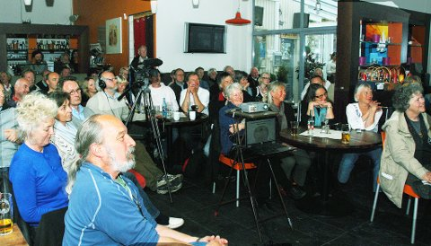 Atskillige hadde funnet veien til Brygga restaurant  onsdag kveld.