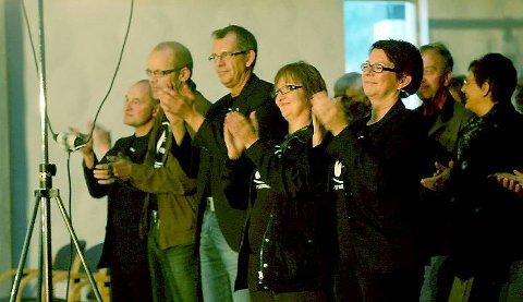 NØGDE: Marit Hartvedt og resten av styret applauderte og var nøgde med helga.