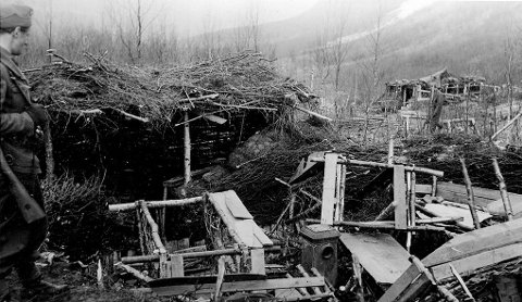 Improvisert: Fra Mallnitz-leiren. Hyttene var elendige, bygd av torv, jord og netting.