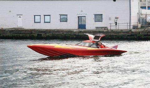 Slike spesielle båter var det flere av i årets Bergen Poker Run.