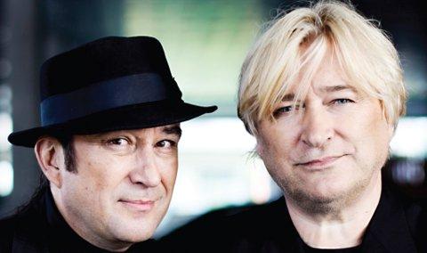 Jørn Hoel og Steinar Albrigtsen er bidragene i Nyttårskonserten til Ås og Vestby musikkorps.