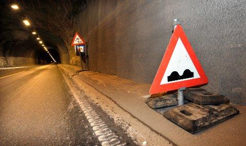 Utbedres: Allerede denne høsten skal veien over Umskardet asfalteres slik at selve tunnelen kan renoveres. Dette arbeidet tar til våren 2012. Foto: Øyvind Bratt
