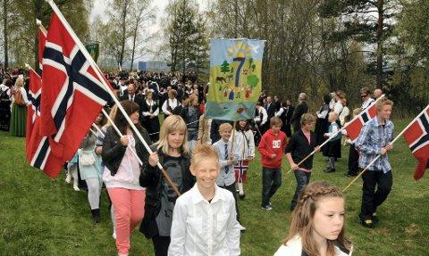 Barnetoget på Flisa på vei fra Utsikten.  FOTO: TORE HUUSE ØWRE