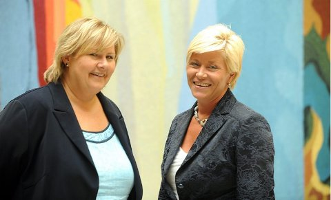 Konkurrenter. Gemyttlig mellom Erna Solberg (t.v.) og Siv Jensen, men et klart flertall av nordlendingene vil heller ha Erna enn Siv som statsminister.
