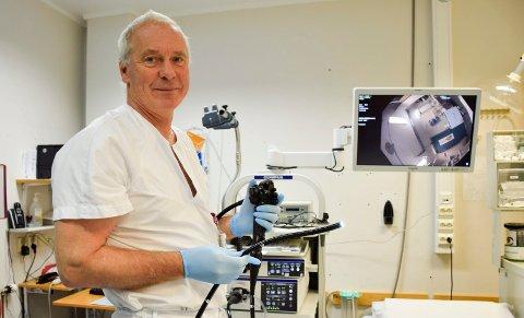 ? Fra den første telefonen kommer til pasienten er ferdig operert, går det som regel to uker, sier avdelingsleder på medisinsk avdeling, Oddmund Nestegard.
