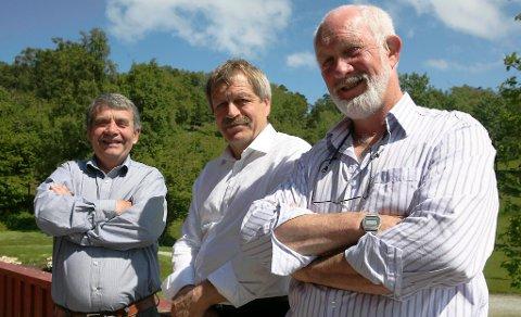 Svanøy-gründerane Ole Svanøe, Torleif Sveen og Gunnar Stavøstrand jobbar stadig med å optimalisere FLO-prosjektet sitt. No har dei gått bort frå å bruke ståltankar til lukka oppdrett, men satsar i staden på kompositt.