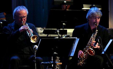 Glåmdalens artistgalla 2007. Husorkesteret representert ved Svein Gjermundrød på trompet og Knut Harald Jensen på saxofon. FOTO: FREDE Y. ERIKSEN