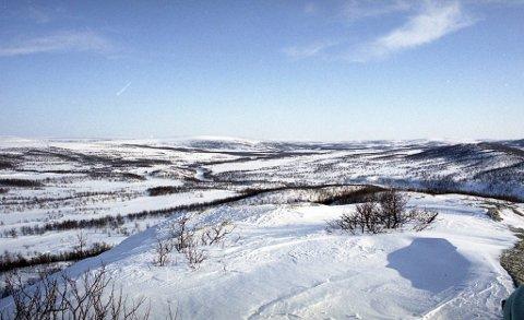 LANDSKAP: Knitrende snø og glitrende sol beskrives i Samefolkets sang.