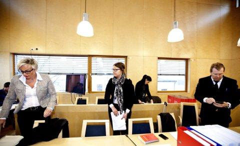 I RETTEN: Bistandsadvokat Gunhild Lærum (t.v.) og statsadvokatene Anne Siv Åvitsland og Peter André Johansen.Foto: Tom Gustavsen