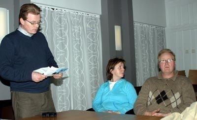 Trond E. Storm (t.v.), Monica Braathen og Kristen Svarstad fra FAU ved Nordli barnehage var skuffet over flertallets avgjørelse i miljø- og utviklingsutvalget.