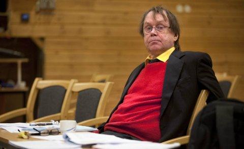 PLUKKET SOPP: Øystein Meier Johannessen ble mandag pågrepet for sanking av fleinsopp. ? Politiet gjorde bare jobben, men det er tullete at fleinsopp står på narkotikalista, sier lokalpolitikeren fra Hemnesberget. Foto: Øyvind Bratt