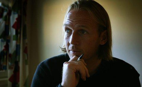 ? ANNERLEDES: Sportsdirektør Torgeir Bjarmann har ikke fått noen frist på å effektuere kuttene han må gjøre, men han innrømmer at tidsrommet er kortere enn han er vant til. FOTO: KAY STENSHJEMMET