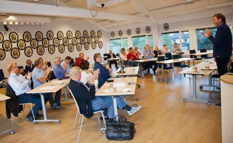 Odd Haktor Slåke ble valgt inn som ordførerkandidat til stor jubel fra Høyres partimedlemmer.