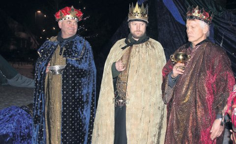 Her ser vi de tre kongene i Hølen under sist utgave av arrangementet «Tre hellige konger».