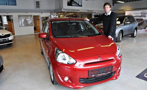 Elegant: En liten elegant rød nykommer på markedet, sier Cato Nilsen hos Mysen Bil as.