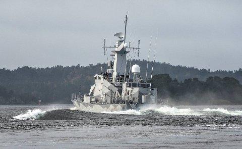 Den svenske korvetten HMS Stockholm patruljerer i Jungfrufjarden utenfor Stockholm.