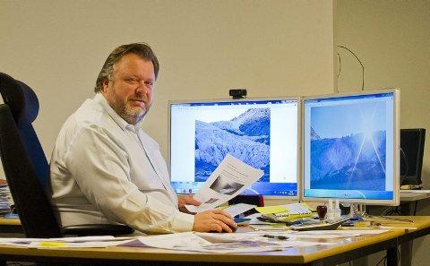 Først ute. Geir Olsen har stiftet selskapet Svaice AS, som skal selge isbiter hentet ut fra Svartisen. En positiv forstudie er klar, og de første isfjellene på halvannet kilo kan skipes ut allerede neste år. Alle foto : Johan Votvik