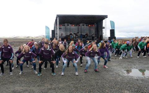 Ivrige dansere fra Otta ungdomsskole.