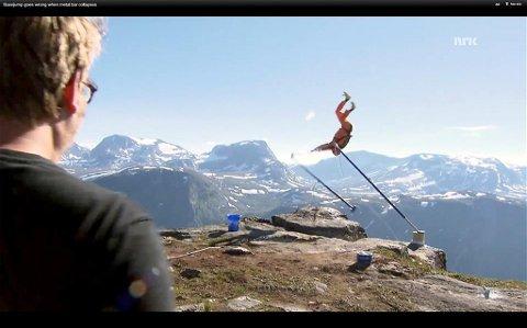 Gikk galt: Basehopperen Richard Henriksen rutsjet utfor det 1.200 meter høye stupet på Strandkolvet i Eikesdal. Nå avviser han at han vil han gjenta stuntet i Sunndal. Det planlegger derimot turner og basehopper-kollega André Bach. Foto: NRK