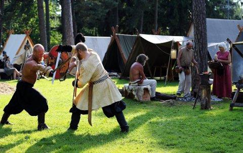 VIKINGFEST: En av de ni utfluktene avslutningsdagen går til en vikingfest i Sarpsborg. Da er det også fokus på at det snart er 1.000 år siden Borg ble grunnlagt av Olav Haraldsson. (Foto: Mats Duan)