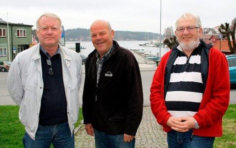 Tore Fosse, Tom Gundersrud og Willy Sjøstrøm i Brevik Olympiske Komité gir ut pengegaver til gode formål i lokalsamfunnet. Og så tar de en lang sommerferie ut året.