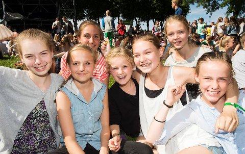 Malin Fadnes, Tuva Harridsleff Ringheim, Amalie Midttveit, Linnea Alsaker, Aurora Merete Olsen, Karoline Vågenes Moen og Synne Birkelandseter fra Skeie skole.