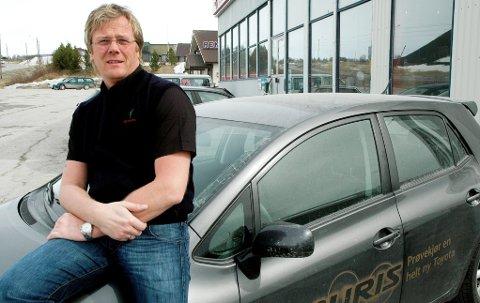 solgte flest: Henrik Slettum i Toyota Slettum Bil AS topper nybilsalget i Fjellregionen med 83 leverte biler i 2013. (Arkivfoto)