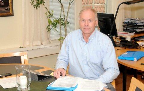 Ordfører Jon Pieter Flølo har fått mandat av gruppelederne til å se på politivedtektene og komme med forslag til nye. Dette kan blant annet føre til en innstramming i forhold til telting og forsøpling.